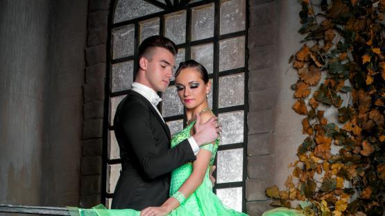 Бальный танец «Медленный Фокстрот». Заказать танцевальное шоу Валери в Москве