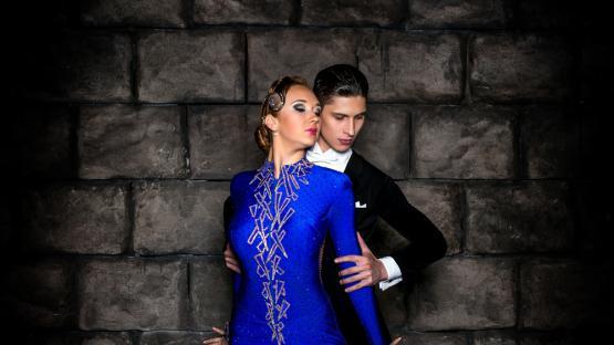 Бальный танец «Медленный Фокстрот». Заказать танцевальное шоу на праздник, юбилей, корпоратив в Москве
